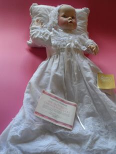 Franklin heirloom dolls - The Victorian Christening Doll