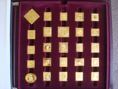 World first stamps gold on sterling silver proofs Franklin Mint  US seventies