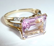 Gala ring in 375/9 kt gold with 6 ct amethyst (or morganite) + 8 diamonds RG 61-62 / 19.4 - 19.7 mm