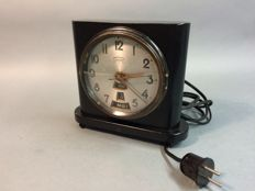 Art Deco electric wood desk clock with month, date and weekday hand, Paauwes Patent