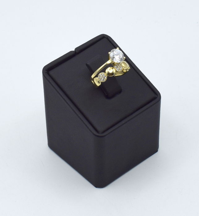 14k Yellow gold ring with synthetic stone - 16 mm