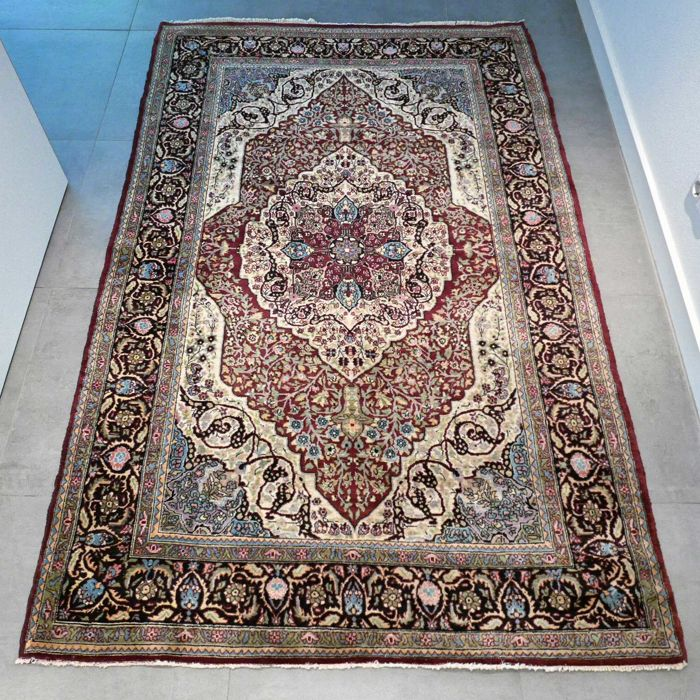 UNIQUE DESIGN: Beautiful Qom carpet - 218 x 140 - GREAT APPEARANCE