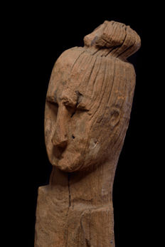 Early Aitos sculpture - Portuguese Timor