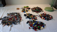 Assorted - Lego accessories including weapons + headgear