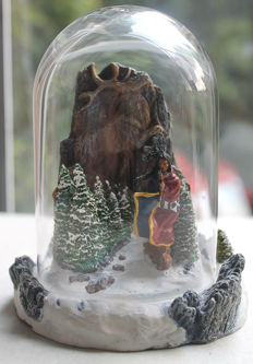 Franklin Mint - Native American figure 'Spirit of the Wolf' with glass dome