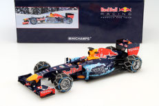 Minichamps - Scale 1/18 - Red Bull Racing TAG Heuer RB7 M. Verstappen Snow Demonstration Run Kitzbuhel 2016