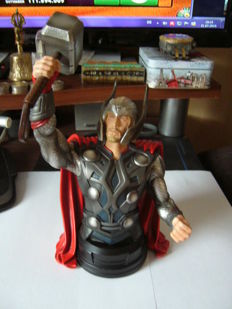 Thor - bust - 25.5cm High - limited edition, no. 684/700 - (2011)