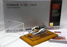 CMC - Scale 1/18 - Ferrari 312P Motor-Aggregat 1969 - Motor with showcase