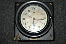 Ship's clock M. Low Nautical Instruments NEW YORK approx. 1950