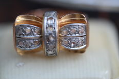 Gold 1940s ring, bow with diamonds
