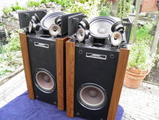 Beautiful vintage 1981 Bose 601 series 2 Direct Reflection speakers