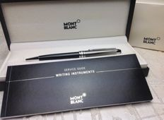 Montblanc Meisterstück 164 Solitaire Doue Black & White Ballpoint Pen, in excellent condition. With box and booklet.