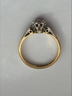 Vintage 18ct gold ring set with solid brilliant cut diamond 0.30 ct