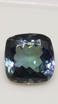 Tanzanite - Greenish and Violetish Blue - 2.68 ct