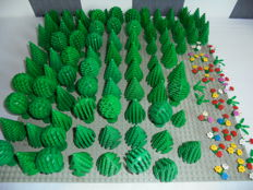 Assorted - 100 Lego trees + bushes + flowers