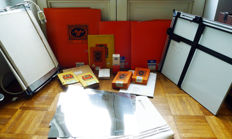 A beautiful lot, partly unopened, Agfa paper. With glazing press and magnification window. See the description.