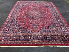 Oriental Persian carpet Mashhad – 100% handknotted – Excellent condition – Investment