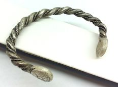 Early Medieval Scandinavian Viking silver twisted wirework a bracelet decorated on the edges - 43.1 grams 80x60 mm