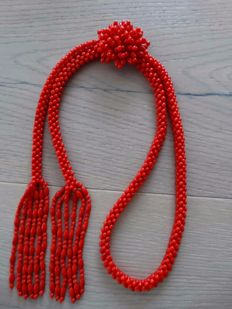 Woven long handiwork coral necklace