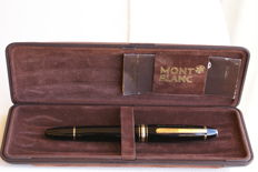 Spectacular Vintage 18K Montblanc Meisterstuck 146 Fountain Pen with Case