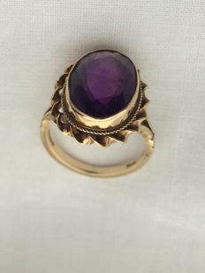 Antique  9ct gold ring set amethyst by R.Bros london 1997 (4 g gross )