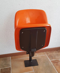 Schröder & Henzelmann – vintage orange cinema chair