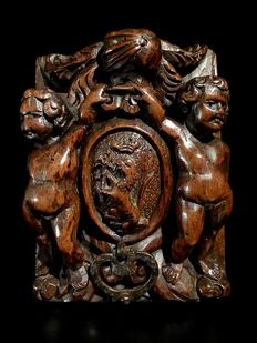 Heraldry carved coat of arms with putti - 17th century