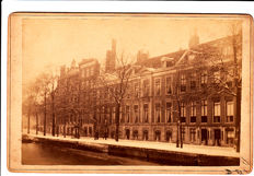 Amsterdam, 5 cabinet photo's and 147 picture postcards