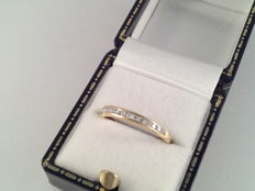 Yellow gold ring of 18 kt with 13 diamonds, 0.27 ct, ring size 16.5/52