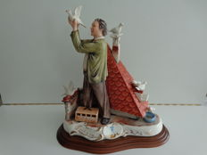 Capodimonte - Sculpture of a pigeon keeper