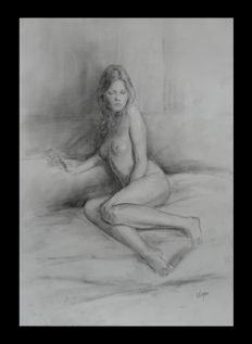 Original ; Alice Woynar - Sitting Beauty  - 2015