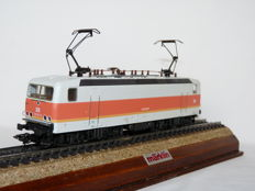 Märklin H0 - 3445 - Electric locomotive Series BR 143 of the Deutsche Reichsbahn (DR)