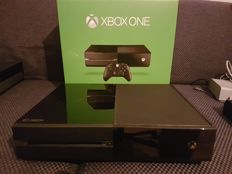 XBOX One 500GB including original controller, cables and packaging