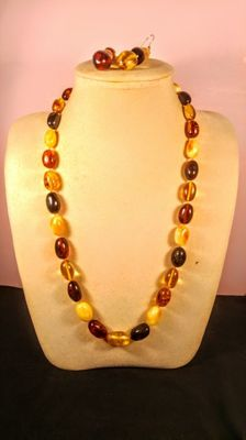 Olive shape modified colour Baltic Amber necklace and earrings, 56 gr.