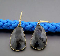 A pair of sapphire diamond pendant earrings 26.32 ct, 585 yellow gold --no reserve price--