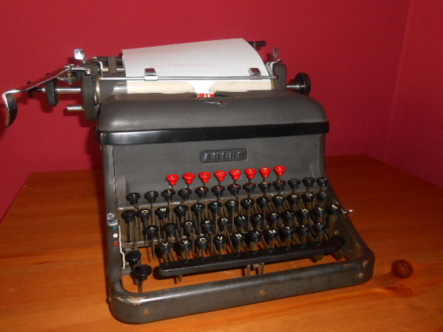 Rarity - old ADLER typewriter, Germany approx. 1940