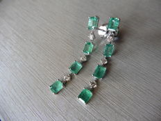 18k Gold Emerald and Diamond Drop Earrings