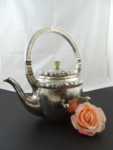 Silver antique 800k Hesterman tea pot with Howlite stone, Germany