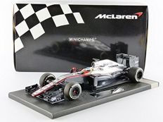 Minichamps - Scale 1/18 - McLaren Honda MP4-30 F. Alonso Chinese GP 2015