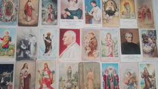 Beautiful lot of 150 holy cards from different series