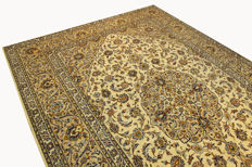 Fine Persian carpet Kashan 3.94 x 2.82 cream handwoven high quality new wool oriental carpet GREAT CONDITION no. 110