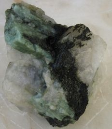Emerald crystals in the mould - 73 x 61 x 42 mm - 387 gr.