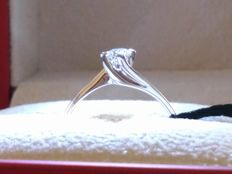 Ring in 750 / 18 kt white gold with 0.20 ct diamonds.
