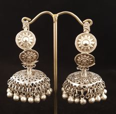 Antique hand-made silver earrings - Pakistan - Early 20th century