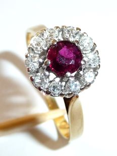 Gala ring in 585/14 kt gold with 0.25 ct Diamonds + ruby of approx. 0.40 ct