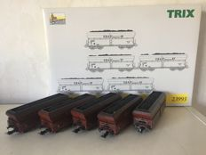 Trix H0 23993 - Five coal cars with load