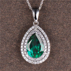 Beautiful 18 Kt White Gold Pendant with 1.70 Carats of Natural Green Emerald & 56 Brilliant Diamonds - Unworn