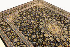 Fine Persian carpet, Kashan 3.95 x 2.80 blue gold, handwoven, high quality new wool, Oriental carpet TOP CONDITION no. 99