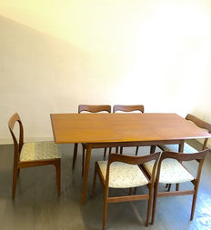 Designer unknown - Set of 6 AWA chairs with table