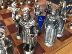 "Vintage chess set ""The Church against the Arab world"" - bronze"